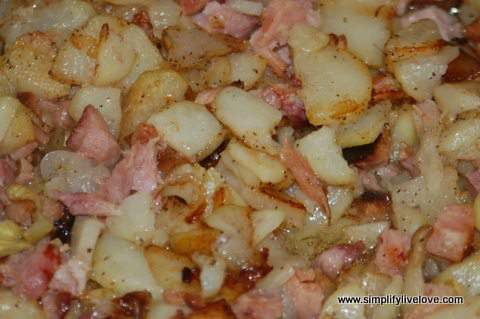 fried potatoes and ham