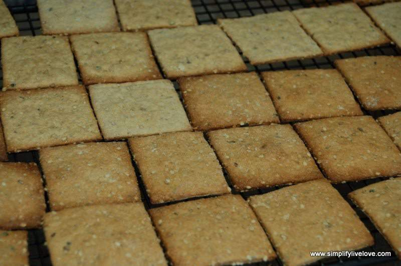 baked homemade crackers