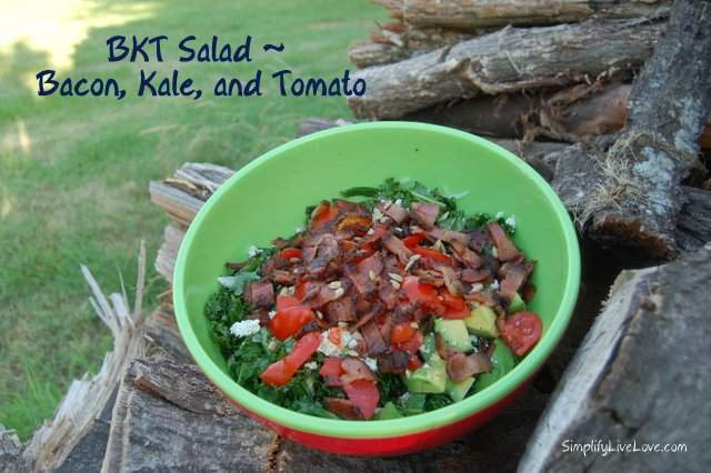 bacon kale and tomato salad