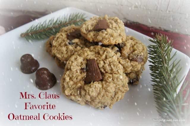 mrs claus favorite oatmeal cookies