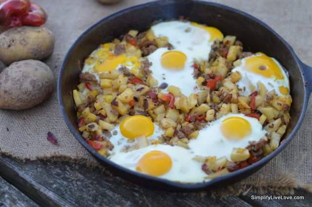 Easy Skillet and Egg Hash