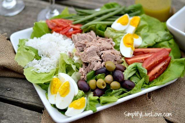 Salad Nicoise ~ Easy, Healthy Lunch made with #OceanNaturals Tuna