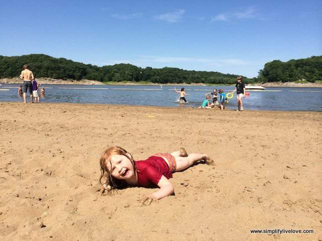 25 Things to Keep in the Car - Summer Fun with Kids #sp #LetsTalkBums