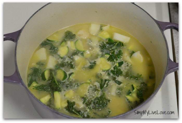 How to Make Vichyssoise Soup with Garden Greens & Lifeway Kefir #KefirCreations #shop