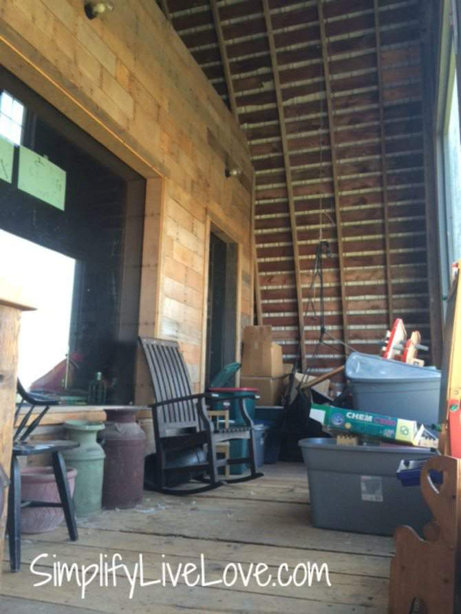 My Dirty Little Home Cleaning Confession #BonaHealhtyHome #ad outside the barn apartment