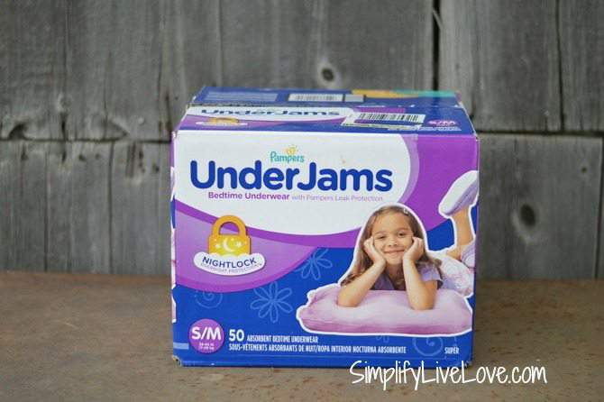Tips for Traveling with a Child Who Wets the Bed - #ConquerBedWetting #ad #PampersUnderjams