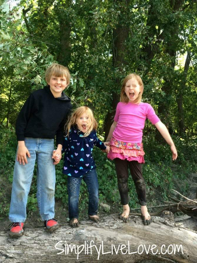 Tips for Traveling with a child who wets the bed #ConquerBedWetting #ad - happy kids