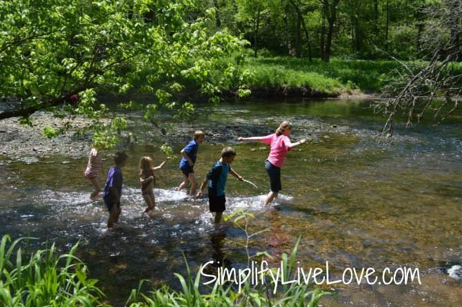 5 things to do with kids in Springfield , Missouri - Wilson's National Battlefield, hiking in the creek from SimplifyLiveLove.com