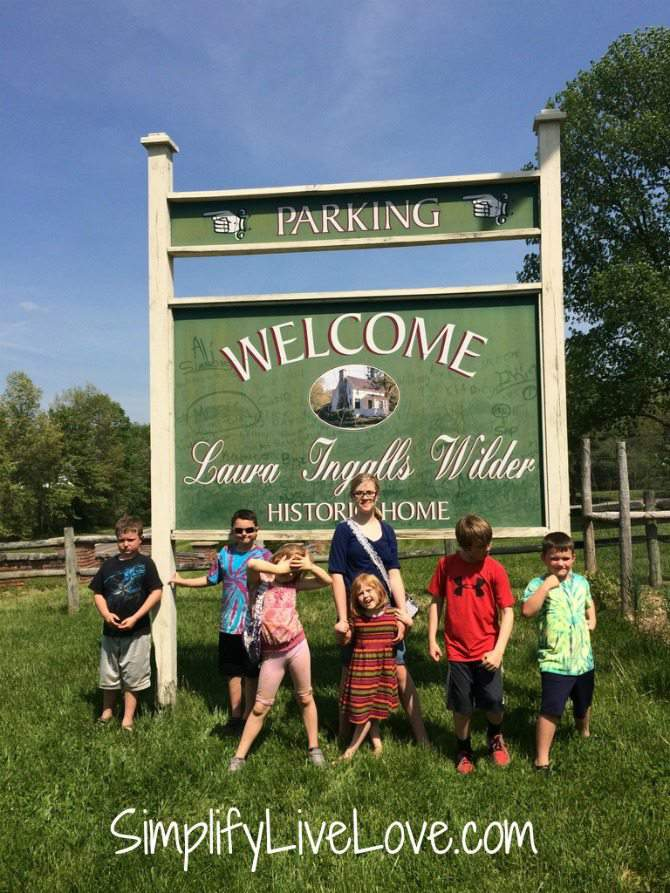 5 things to do with kids in Springfield , Missouri-tour Laura Ingalls Wilder Rocky Ridge Farm - by SimplifyLiveLove.com