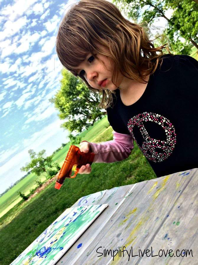 Squirt Gun Canvas Art - Fun Summer Activity for Kids #pmedia #pressnsealhacks #ad 3