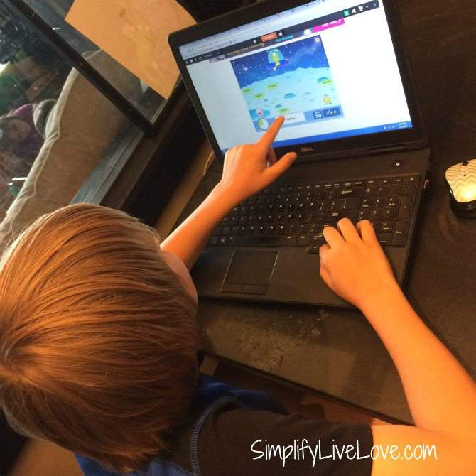 5 Fun Ways to Beat Summer Learning Loss #ad #SmarterSummer #IC from {simplifylivelove.com}