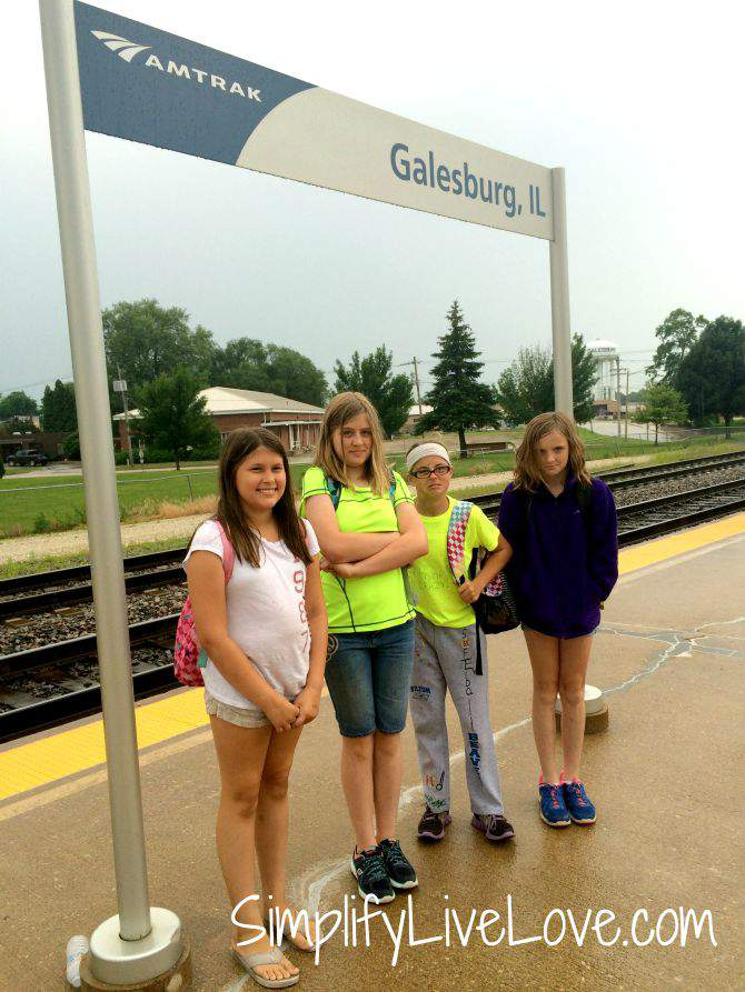 Amazing Day Trip to Chicago with Girl Scouts - Galesburg, IL Amtrak Station from SimplifyLiveLove.com