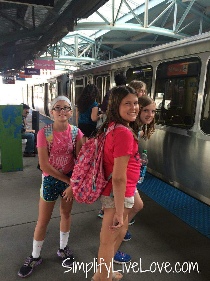 Awesome Day Trip to Chicago with Girl Scouts-public transportation from {SimplifyLiveLove}