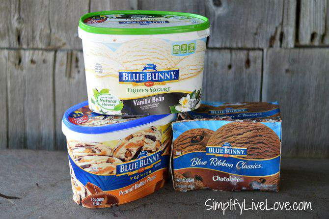 How to Make the Perfect Ice Cream Cone #FinalConeDown Blue Bunny Ice Cream from SimplifyLiveLove.com