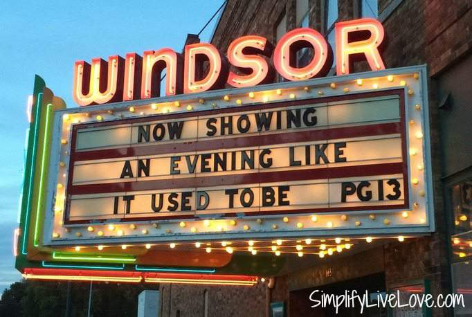 Windsor Theater in Hampton Iowa