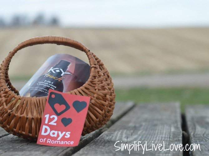 12 Days of Romance Gift Idea & Free Printable from SimplifyLiveLove.com