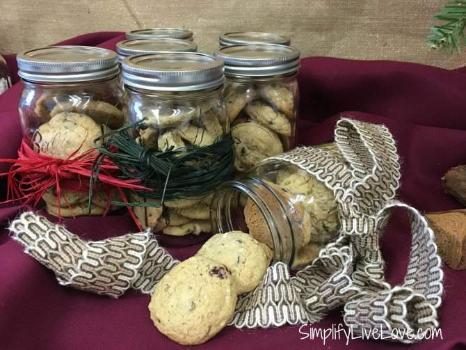 DIY Christmas Gift - Easy Mason Jar Cookies from SimplifyLiveLove.com adorn your jar with pretty ribbon