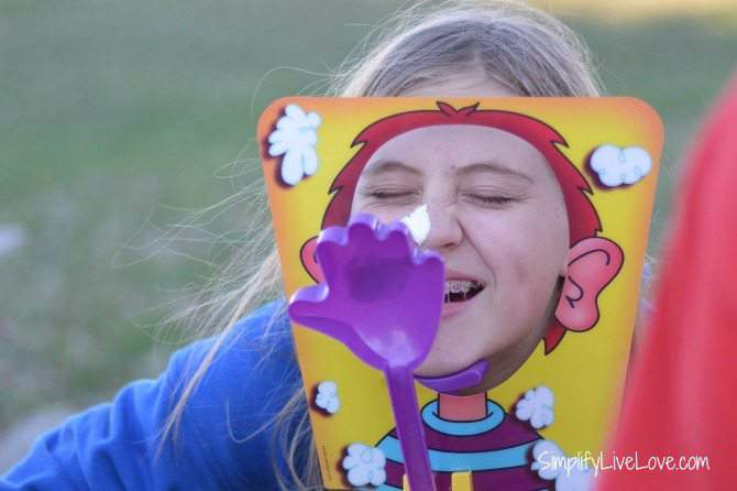 Have a Hilarious Family Game Night with the Pie Face Game from SimplifyLiveLove.com #IC #ad #PieFace