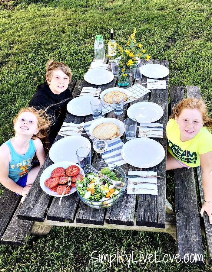 picnic-meal-with-blakes-all-natural-family-style-meals