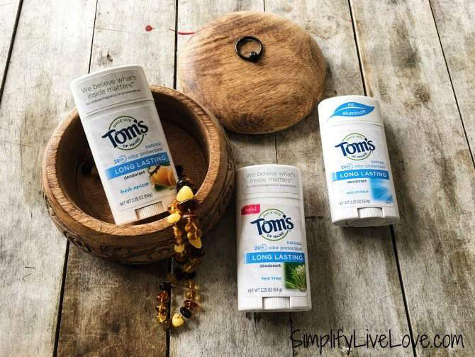 You will want to know these 5 benefits of natural deodorant! Stay stink-free with Toms of Maine new deodorant - free of aluminum & other harmful chemicals.