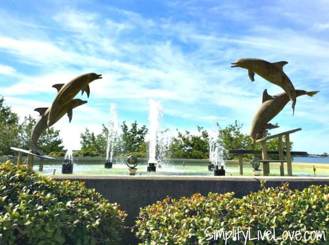 dolphin-fountain-at-bayfront-park