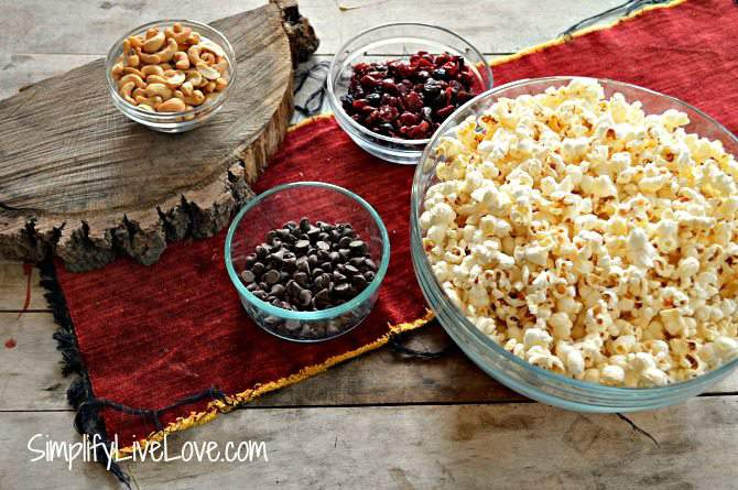 Trail Mix Popcorn with Dried Berries, Nuts & Chocolate ingredients