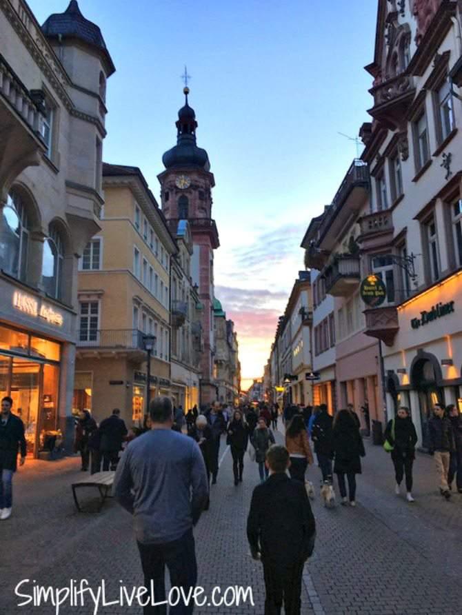 Heidelberg Hauptstrasse at night