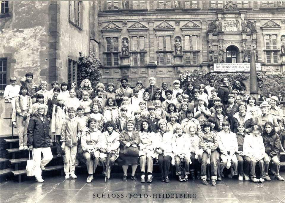 third grade class photo at the Heidelberg Castle Germany