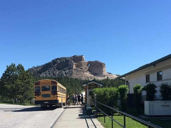 bus to the base of crazy horse (1)