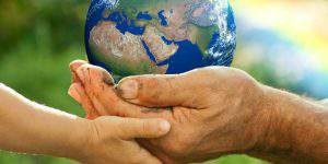 earth day 2018 earth in hands