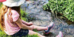 7 Must Know Tips for Hiking with Kids This Summer!
