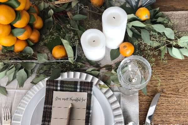 Simple Last Minute Holiday Tablescape + Thankful printable