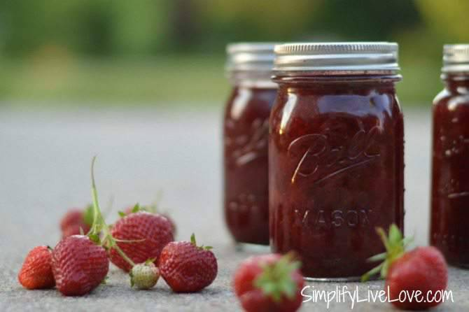 Homemade Strawberry Syrup Recipe & Canning Instructions