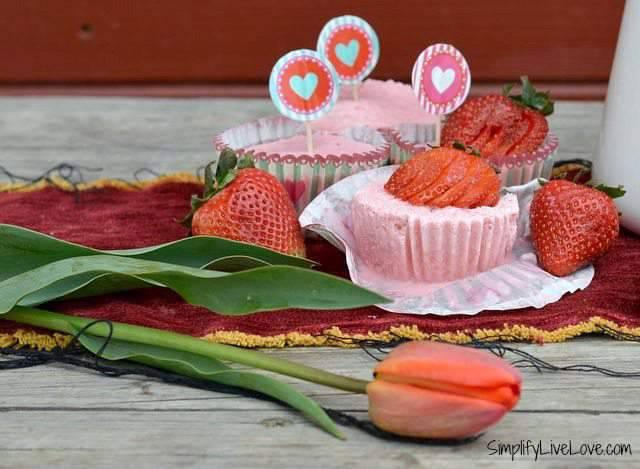 Strawberry Yogurt Cupcakes