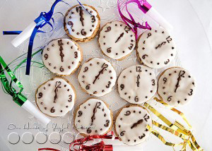 Midnight Snaps (Festive Cookies for New Years Eve) |