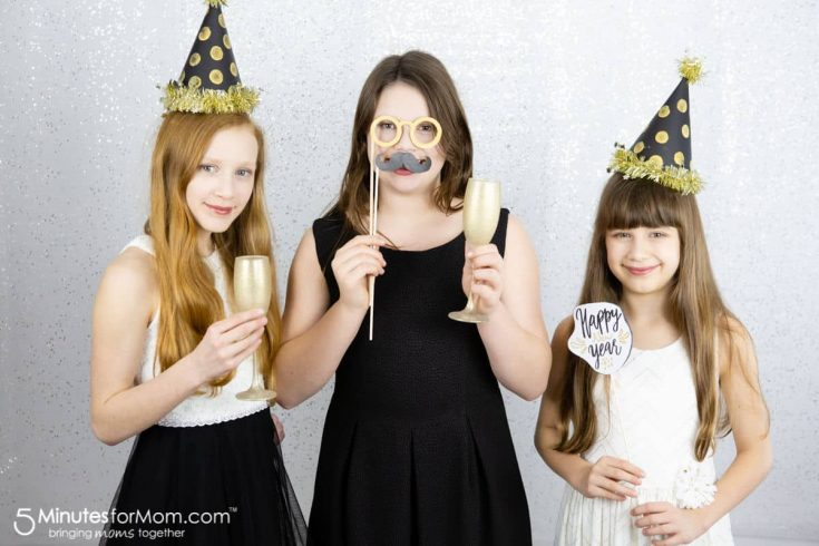 DIY New Year's Eve Photo Booth Props
