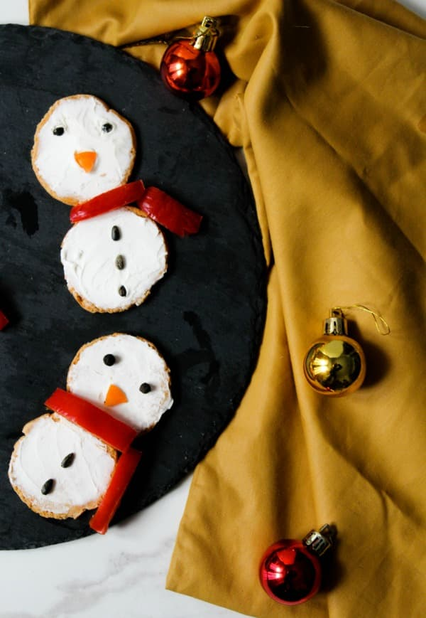 snowman cracker christmas appetizer (1)